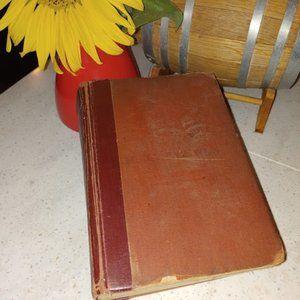 HG Wells 1934 vintage book SEVEN FAMOUS NOVELS
